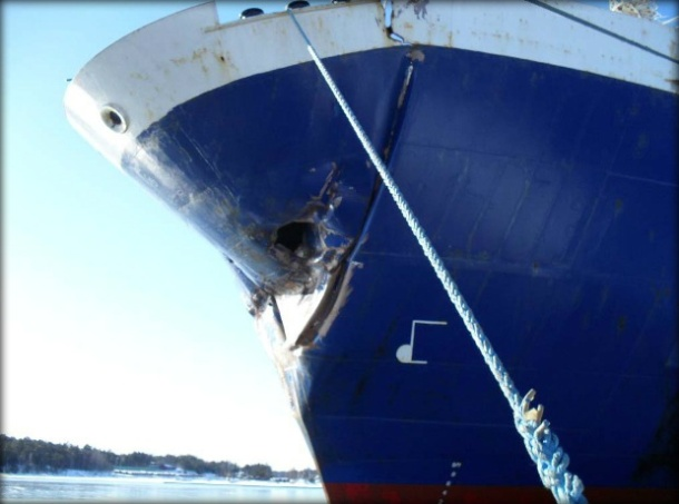 2013.01.07 - RoRo Cargo Ship Collision with Moored Bulk Carrier Figure 2
