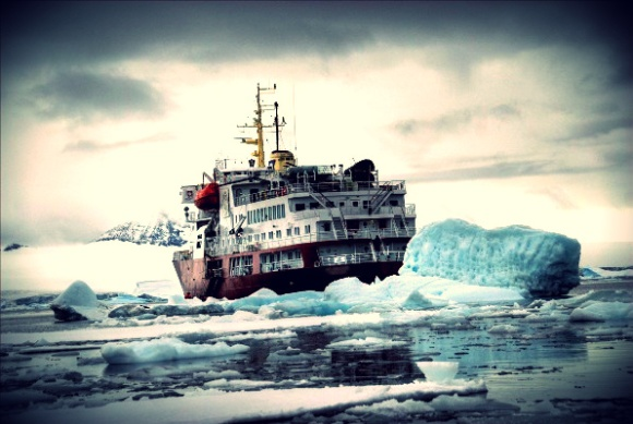 2013.04.09 - Global Warming Will Open New Shipping Routes in Arctic Figure 1