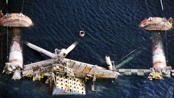 2013.04.29 - Alexander L. Kielland Capsize Accident in North Sea Figure 1